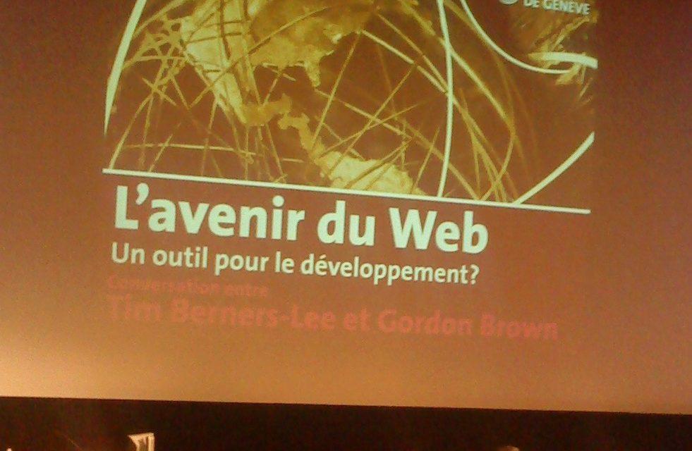 Le Web, un outil pour le développement?