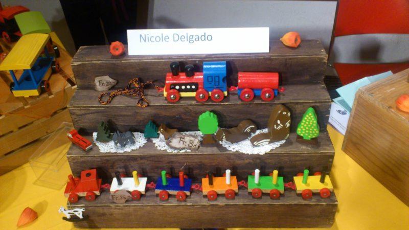 Petits trains en bois