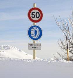 Comment monter des chaînes à neige?