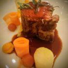 carré de veau rôti à la sauge, avec une déclinaison de carottes